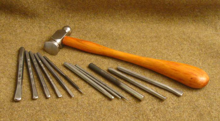 Photo of full set of tools including 25mm chasing hammer